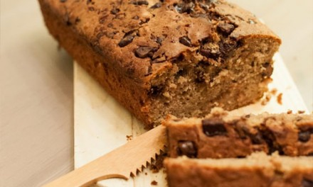 Banana bread with oat flakes
