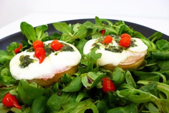 Polenta, mozzarella & basil crostini