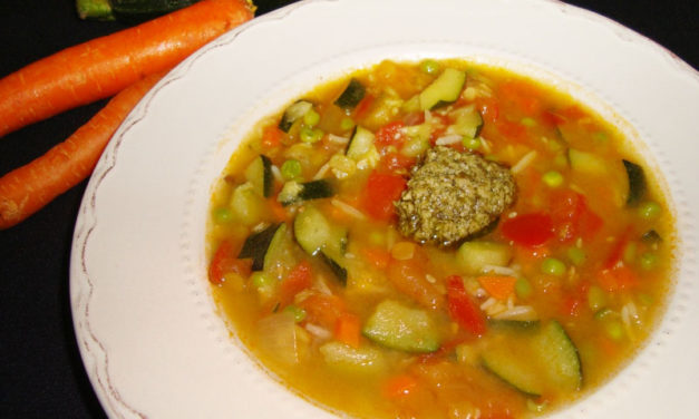 Gourmet minestrone soup with rice and pulses