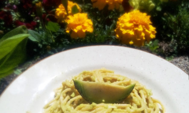 Pasta with avocado sauce: original, quick and easy!