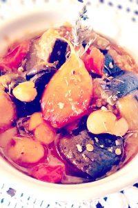 Confit d'aubergines, haricots blancs bio, tomates